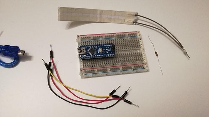 Come leggere il sensore di flessione con Arduino occorrente