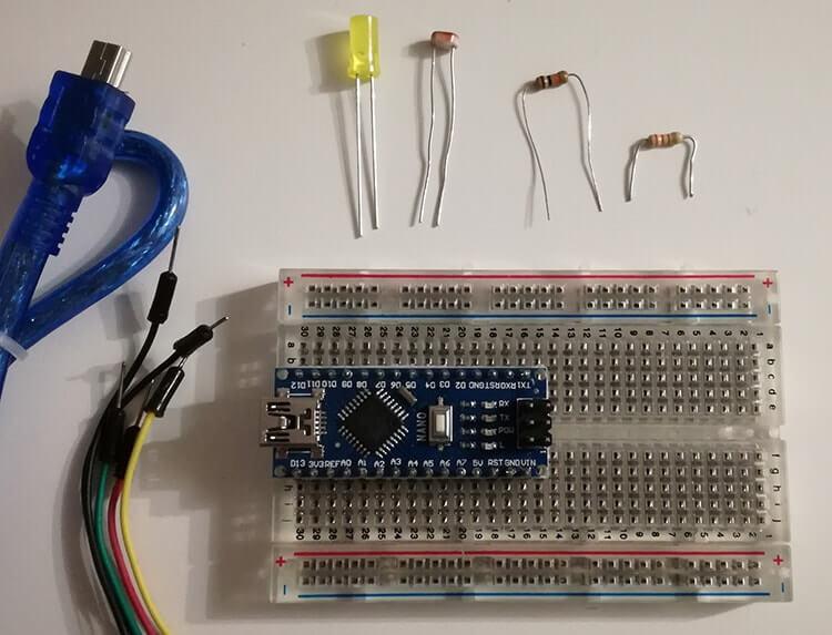 Interruttore crepuscolare con Arduino Nano e Fotoresistenza componenti