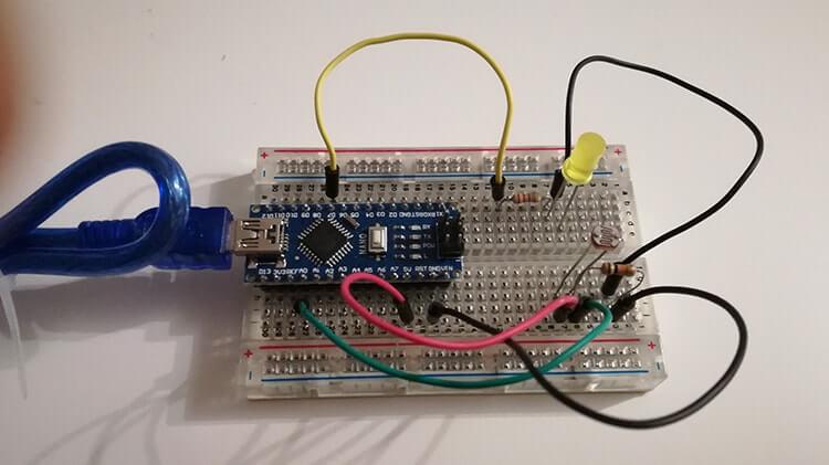 Interruttore crepuscolare con Arduino Nano e Fotoresistenza circuito reale